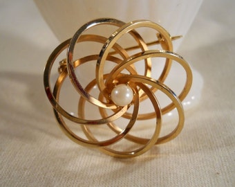 Swirling Gold Tone and Pearl Brooch
