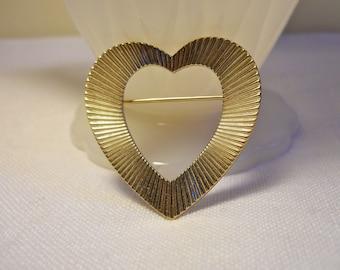 14k Gold Heart Brooch Harry S. Bick.