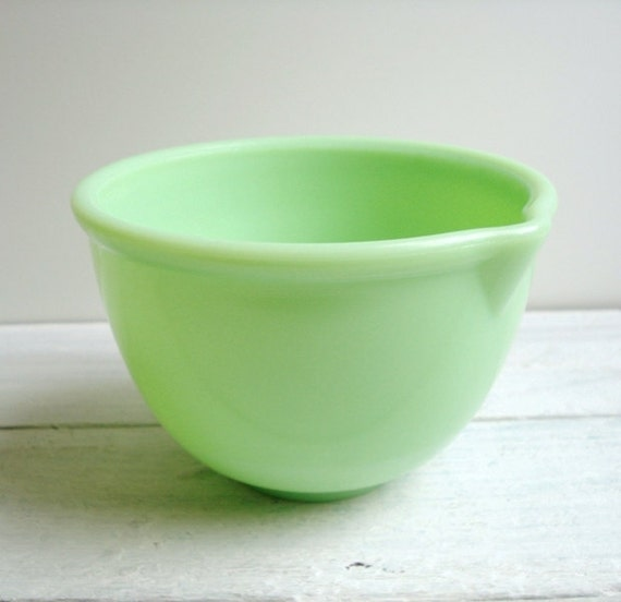Vintage Sunbeam Jadite Mixing Bowl with Spout