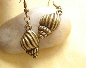 Shell Earrings Anitqued Bronze DE201