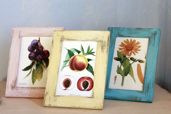 Set of three hand-painted and distressed wooden frames size 5x7