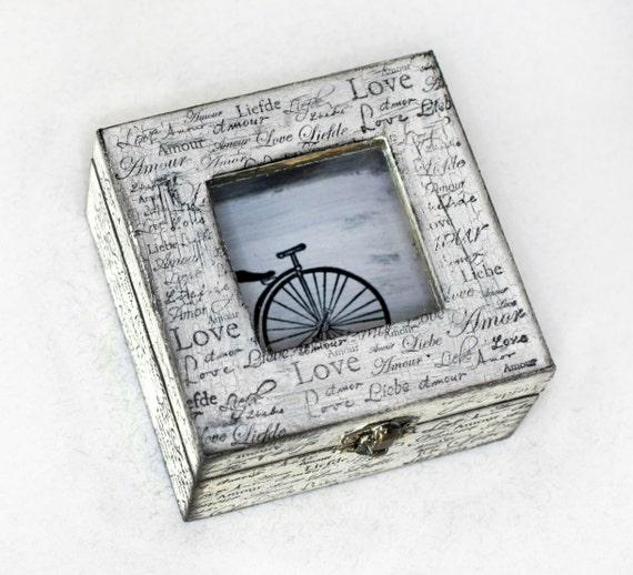 Small Treasury Love Box with Window .