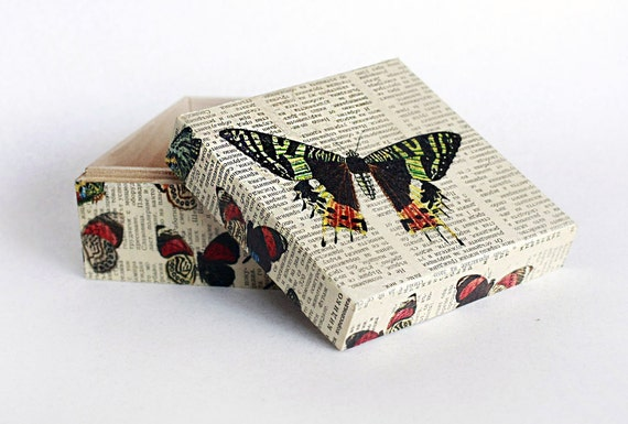 "Keepsake box, Memory box, Decoupage Box, Jewelry Box,  Dimensions - 4,7 / 4,7 / 2,7 """