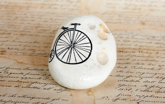 Painted Stone Bicycle, Black Sea Cost White Stone, ohtteam
