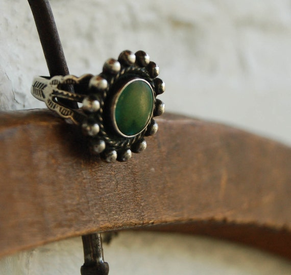 Vintage Southwestern Ring Green Turquoise Stamped Sterling Silver