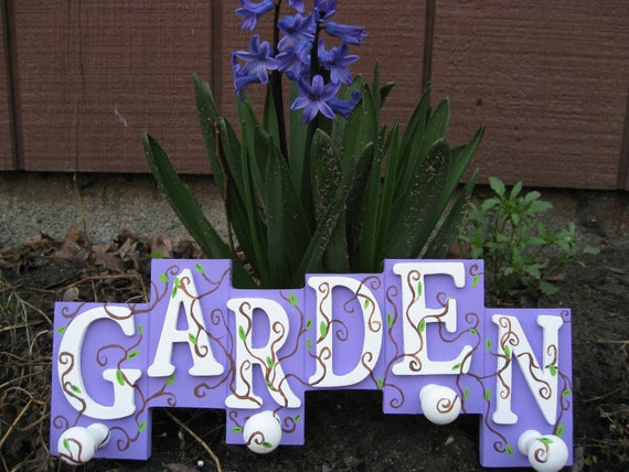 SALE: Handpainted GARDEN Sign, With Hooks.  Perfect For The Gardener, Mother's Day, Spring, Easter.