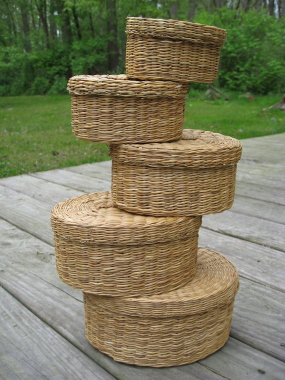 Vintage Wicker Nesting Baskets. Great For Jewelry, Storage, Or Collectables. Woven Baskets. Gift, Mother's Day, Birthday, Garden Wedding.
