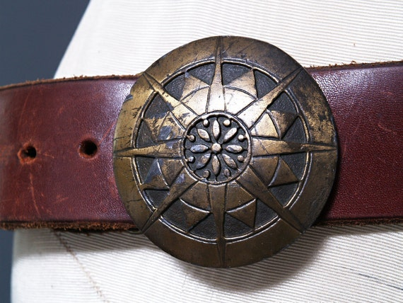 Vintage 70s Rustic Leather Belt - Whiskey Brown Leather - Star Compass Buckle - Large