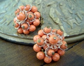 Vintage 50s 60s Coral Cluster Bead Clip Earrings