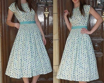 Vintage 50s day dress / novelty crystal pleats pleated / full skirt / garden tea party / fruit print / S / Bust 33
