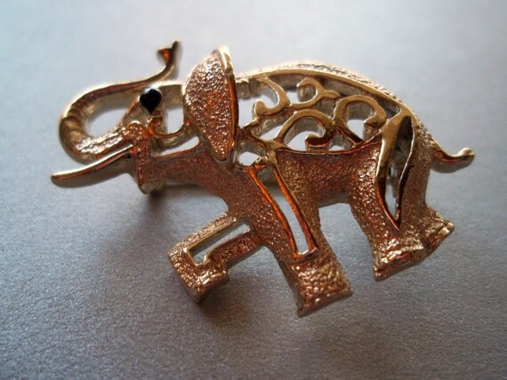 SALE Vintage 1970s Sarah Coventry Elephant Pin, Brooch