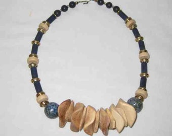 NEAT Vintage Wood Wooden NECKLACE