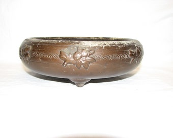 Rare Nippon Bowl , Japanese patinated bronze dish , low bowl chased decoration