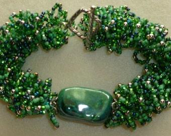Jade Green Ceramic Focal Bead Bracelet