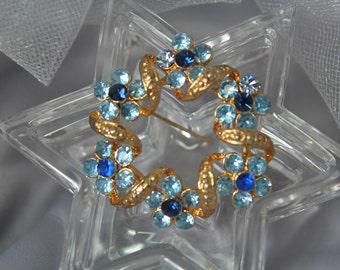 Vintage Sapphire Wreath Brooch, 1950 Blue Wreath Pin, Wreath Brooch