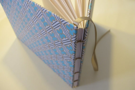 Blue and Metallic Gold Blossom Guest Book: Modern Blue and Gold Wedding Guestbook