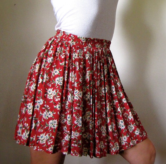 Redesigned upcycled Vintage Skirt Recherche Red Floral Size Small
