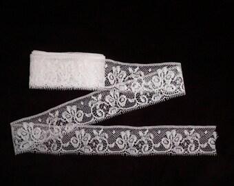 Vintage Wide White Light Ivory Nylon Lingerie Lace, Vintage Briidal Lace, Vintage Sewing Supplies