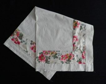 Vintage Pink Flower Heavy Cotton Table Cloth, Vintage Tablecloth,  Vintage  Linens