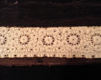 Vintage Cotton Lace Piece, Vintage Lace Trim, Antique Lace, Vintage Sewing Supplies