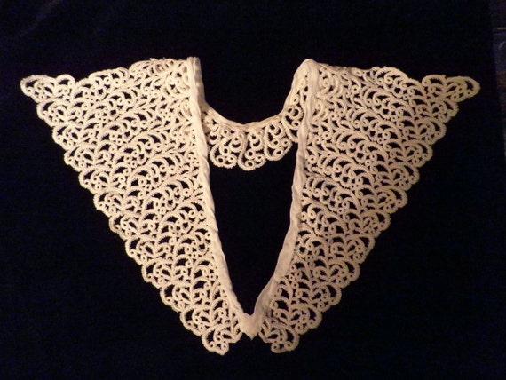 Wide Lace Collar Vintage