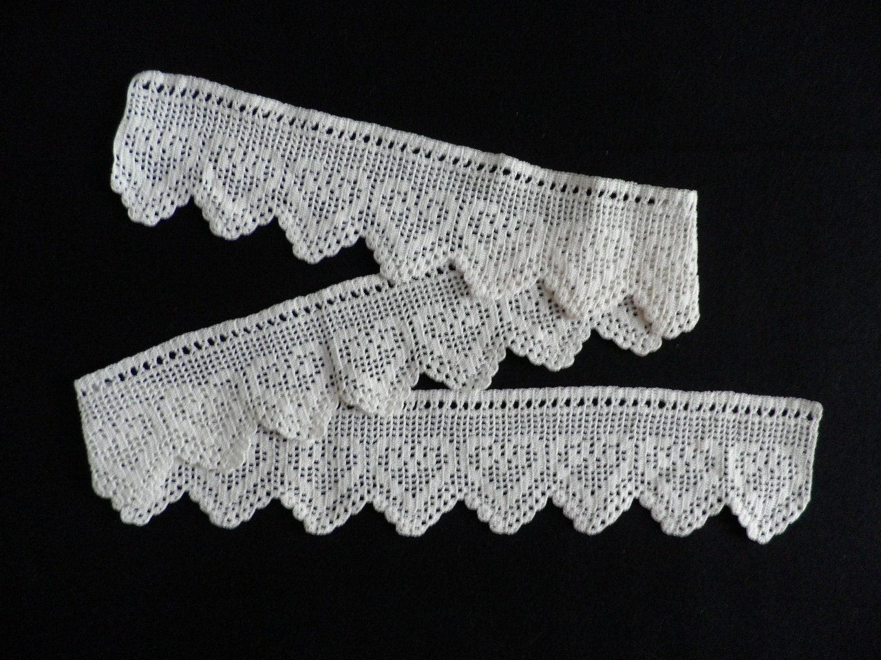 Crochet Lace Pattern For Edging : Crocheted Lace Edging Vintage White Heart Pattern by locolace