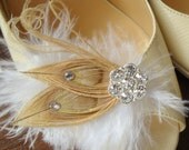 Beige Peacock shoe clips. Champagne Peacock Feathers Shoe Clips with SWAROVSKI Crystals. Bridesmaid Bridal Party,Wedding  -MUST HAVE-