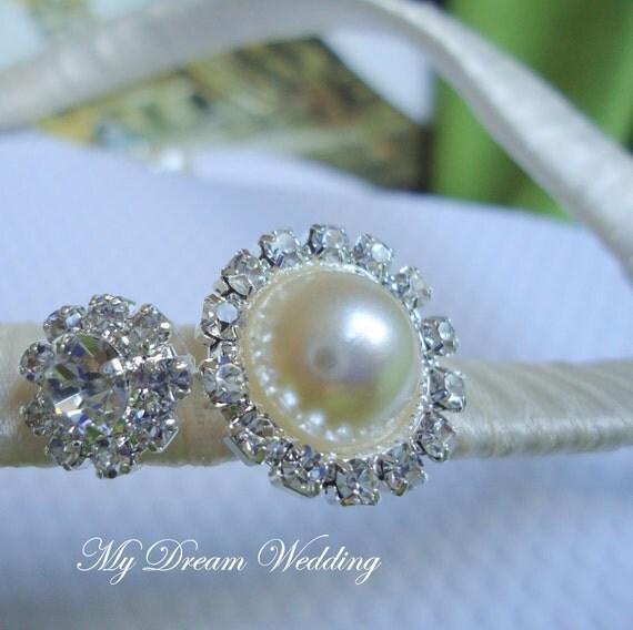 Ivory Flip flops. Ivory decorated flip flops with AB Rhinestone. Wedding  -MAGNIFICENT IVORY- Flip flops