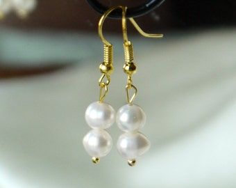 ivory white freshwater round pearl gold fish hook dangle earrings