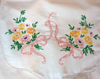 Embroidered Dresser Scarf Floral Table Runner Vintage Cottage Shabby Chic