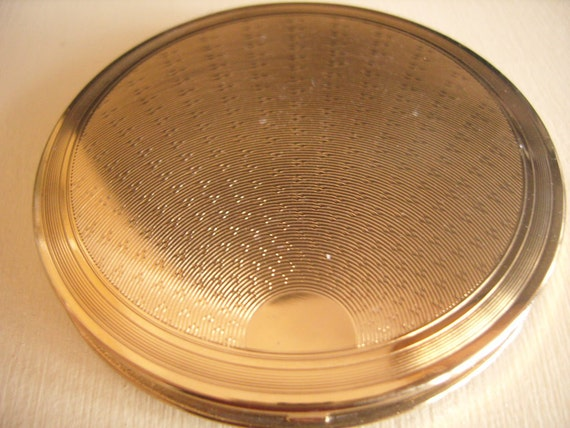 Sunray Gold Vintage Compact