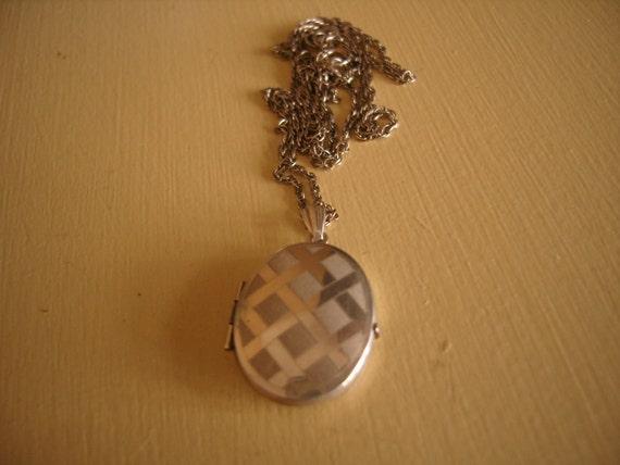 Silver Engraved Locket Unusual Criss Cross Design