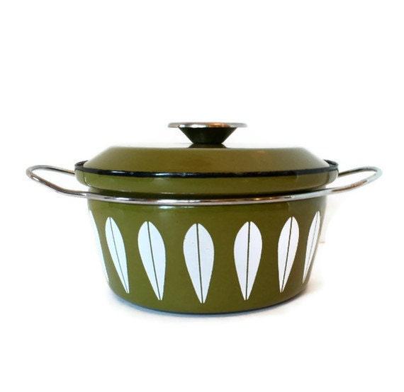 Cathrineholm Enamel Casserole Pot, Lotus Pot in Olive Green