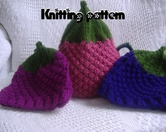 Tea cosy knitting pattern. Black/rasp/loganberries. UK seller