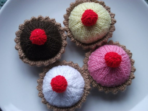 Tarts/ cakes hand knitted.  4 full size. UK seller