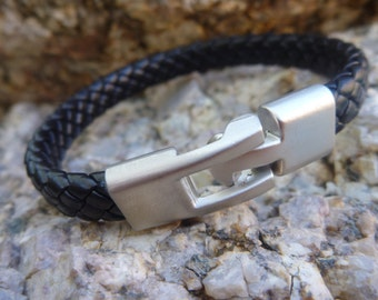 Leather Bracelet.Black Leather  Bracelet With Practical Buckle.Unisex.