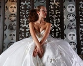 SERIOUS SAMPLE SALE was 2100 now 400 Vintage Lace Wedding Dress Ball Gown Sz 6-8