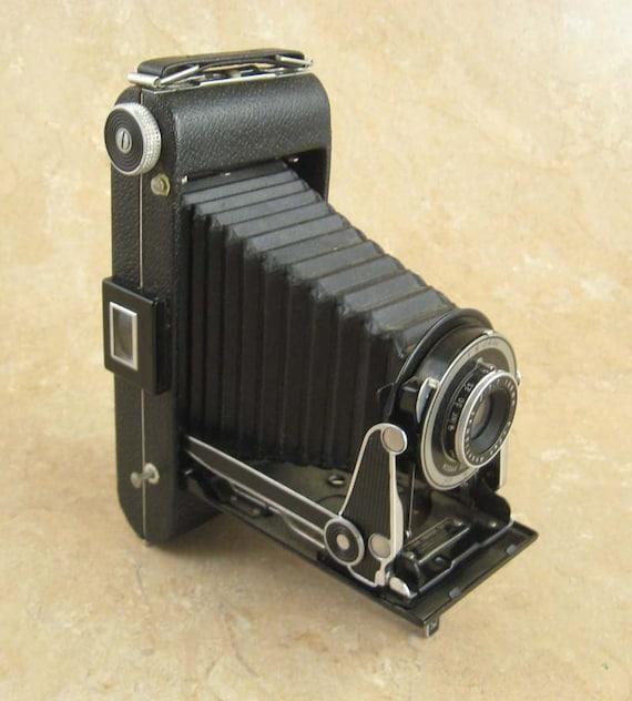 Kodak Senior Six-16 Folding Camera in Nice Condition made from 1937-1939