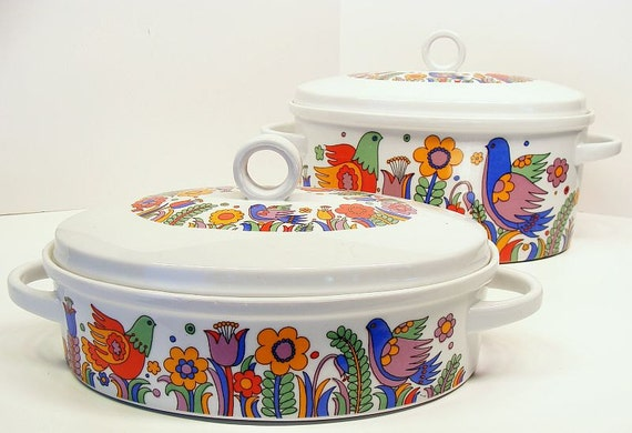 Royal Crown Paradise Porcelain 3 Quart Oval  and 1 1/2 Quart Oval Covered Casserole dishes