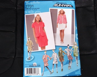 SIMPLICITY RUNAWAY Series Patterns 2701 Size P5 Lady's Suit With Swing Jacket.
