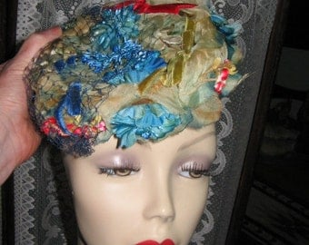 SALE BEAUTIFUL Vintage PILLBOX Hat Silk and Flowers 1950's Retro