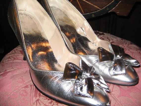 SALE VINTAGE SILVER  Rosina Ferragamo Schiavone  Leather Pumps High Heels Glamour