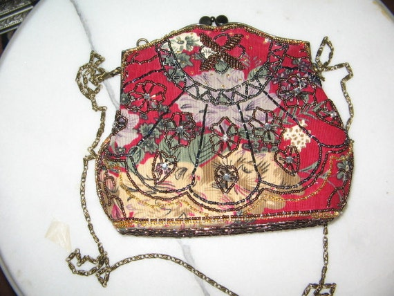 SALE LOVELY ANTIQUE Style Beaded Tapestry Evening Purse