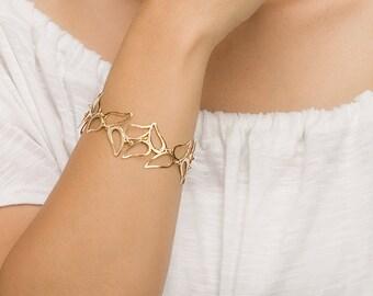 Paisley Delicate Gold Bracelet, delicate gold bracelet, paisley bracelet, gold bracelet, bracelet gold, gold paisley bracelet