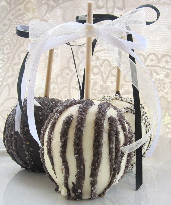 SPECIAL ORDER FAVORS - 12 Chocolate Apples - Black & White Wedding or Special Event