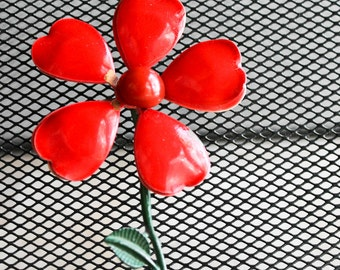 large red flower power 50s 60s brooch pin green stem : metal