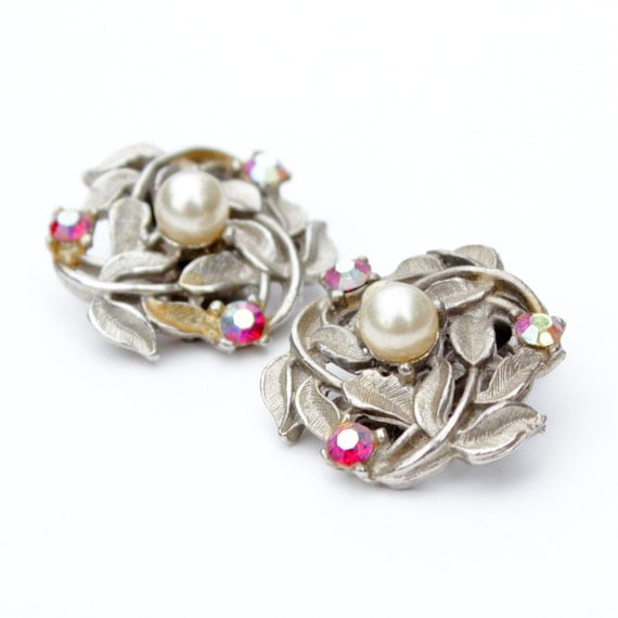 vintage floral flower retro shabby chic pink red pearl silver clip on earrings gem jewel bright 60s 70s