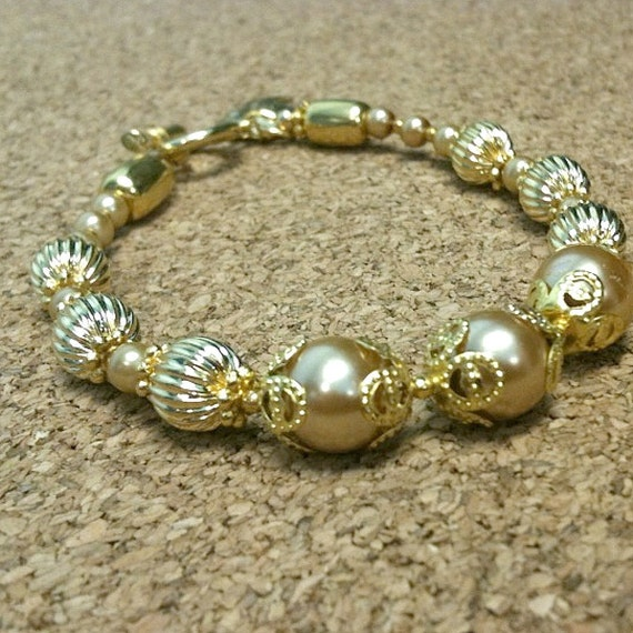 Pearl Bracelet - Yellow Gold Jewelry - Wedding Jewellery - Mother of the Bride - Leaf Charm - Statement - Elegant B-14