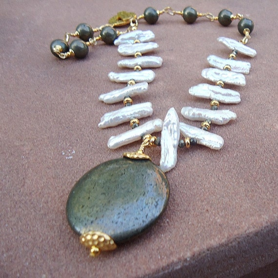 Pyrite and Pearl Necklace - Gold Jewelry - Biwa Pearl Gemstone Jewellery - Statement Necklace - Mod - Pendant - Fashion N-1