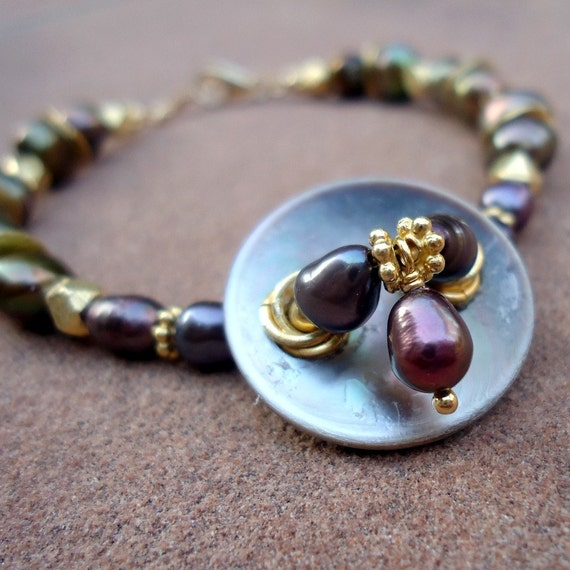 Purple Bracelet - Pearl Bracelet - Vintage Button - Yellow Gold Jewelry - Iridescent Gemstone Jewellery - Unique - Upcycled B-32